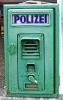 alte grüne Polizei Notrufsäule